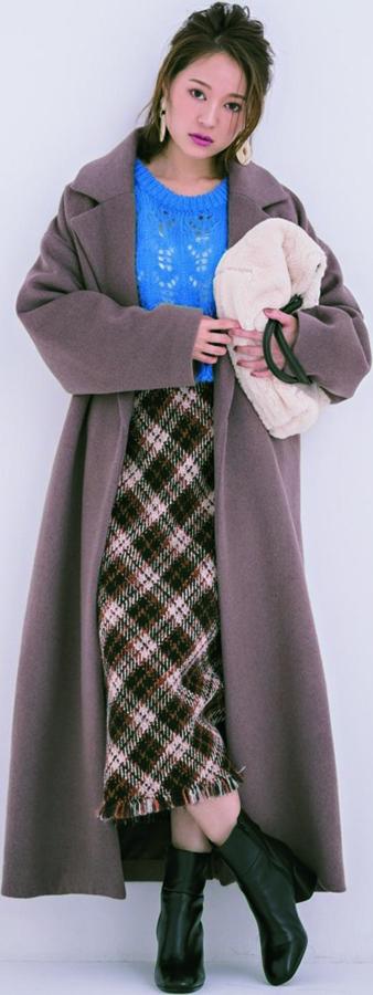 SUKE KNIT : 2 かぎ編み透け『柄ニット感覚のかぎ編みは、ラフに着られるオーバーサイズが使い勝手抜群。鮮やかorトレンドカラーで、さらなる着映えを狙って♡』
