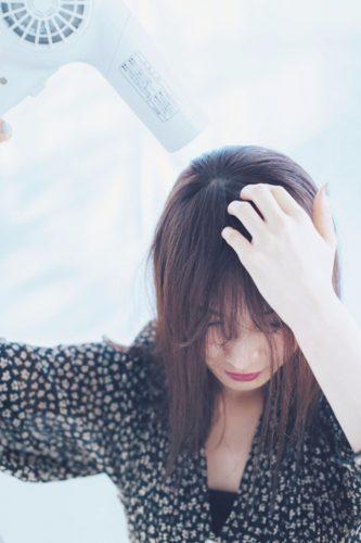 ■前髪をブローしてクセをなくす