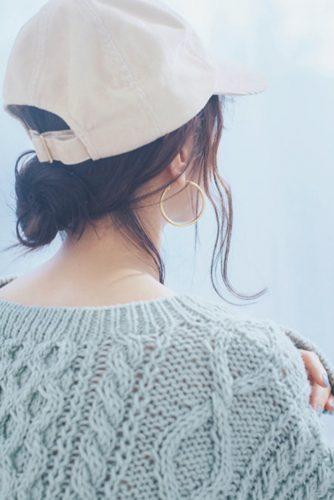 ■【キャップ×おくれ毛】おちゃめかわいいロングヘアアレンジ