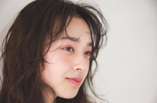 ◆おでこがっつり見せが新鮮♡エアリーな前髪