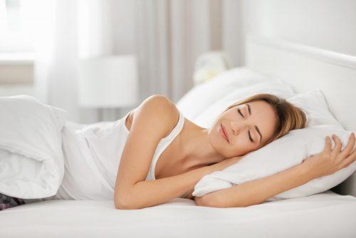 ふわふわ枕はダメ?寝具のプロに聞いた正しい枕の選び方