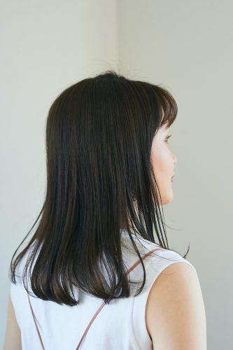 前髪あり×黒髪ストレートロングヘア