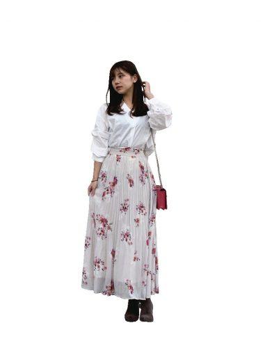 今井さん・柄スカート