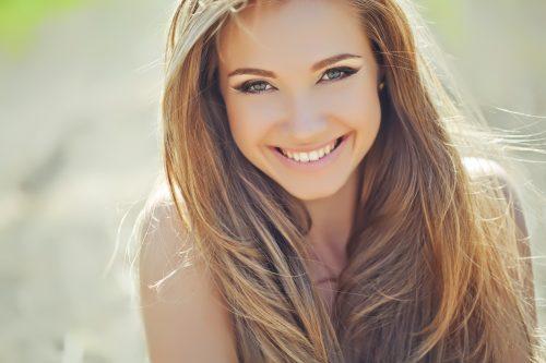 爽やかな笑顔の女性