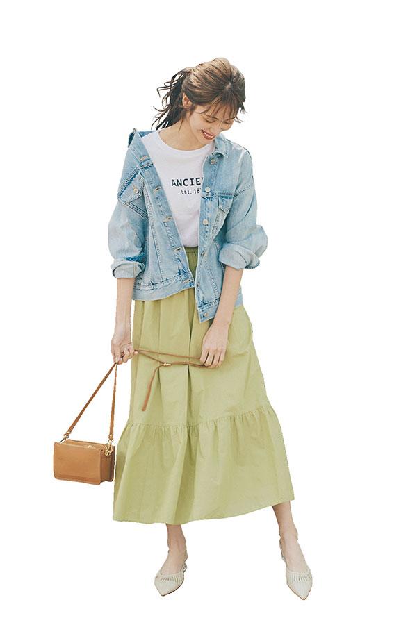 レディなスカートを、今っぽゆるGジャンでカジュアルダウン!Gジャン×ナロースカート『今季、Gジャンは色や形がバリエ豊富! おしとやかなナロースカートと合わせれば、男女ともに好印象な程よいカジュアル感♪ 』