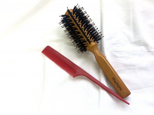 髪のうねりを直すにはロールブラシがおすすめ