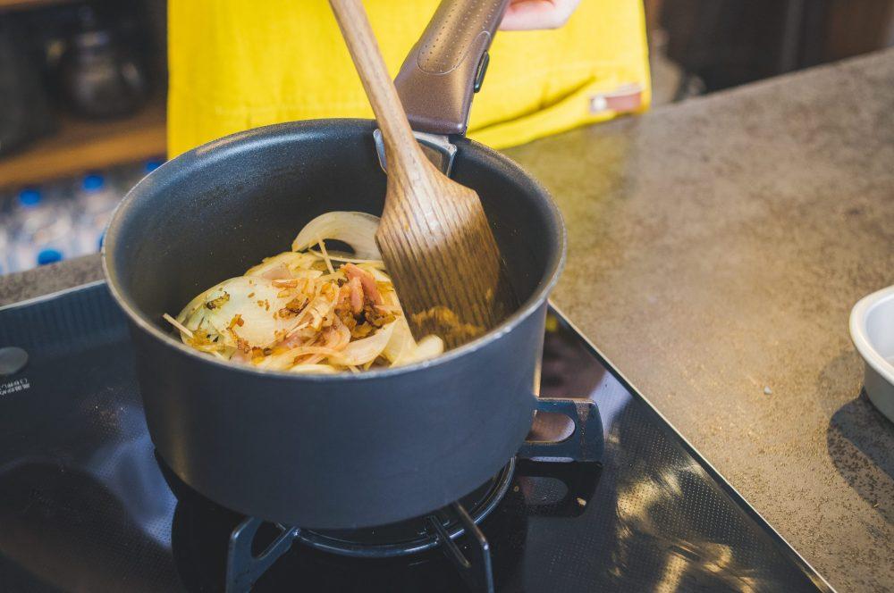 BOYS AND MEN ボイメン 小林豊 ゆーちゃむ ゆたクッキング レシピ CanCam  オニオンスープ 玉ねぎを入れる