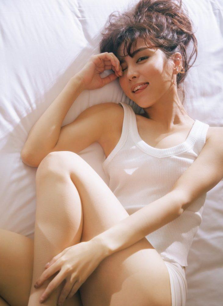 筋トレ女子に捧ぐ!石川恋「極上ボディ」のヒミツ | CanCam.jp(キャンキャン)
