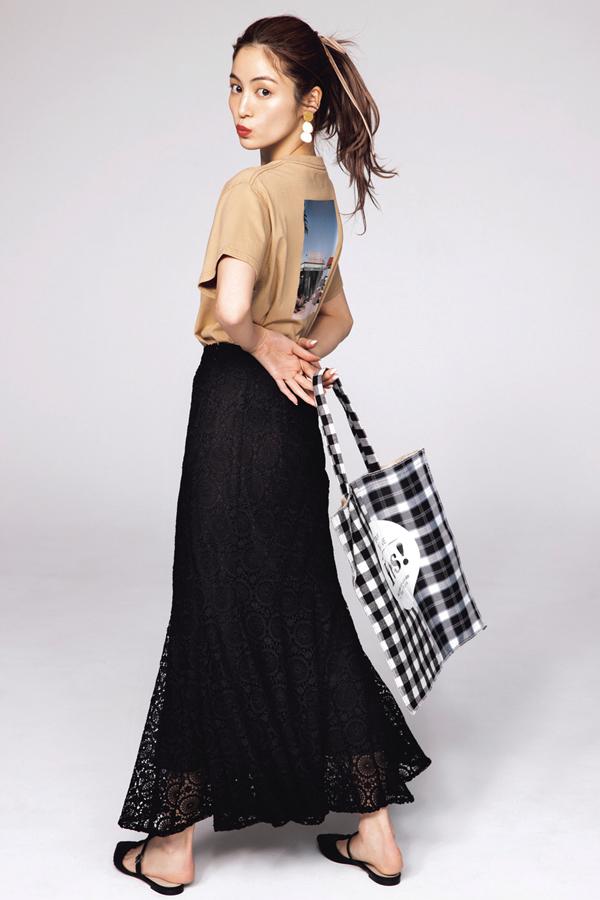 黒ロングスカート