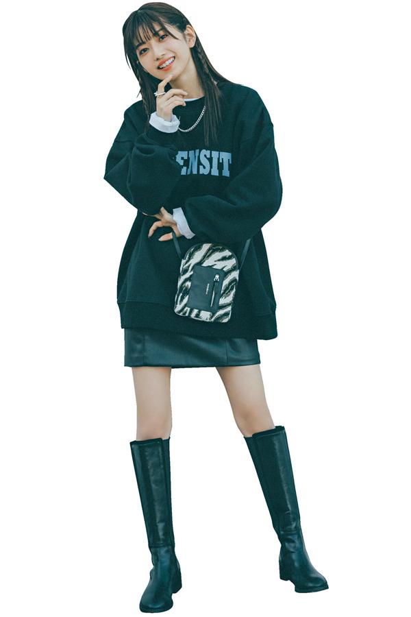 安未は東京カジュアルなミニ×ブーツ
