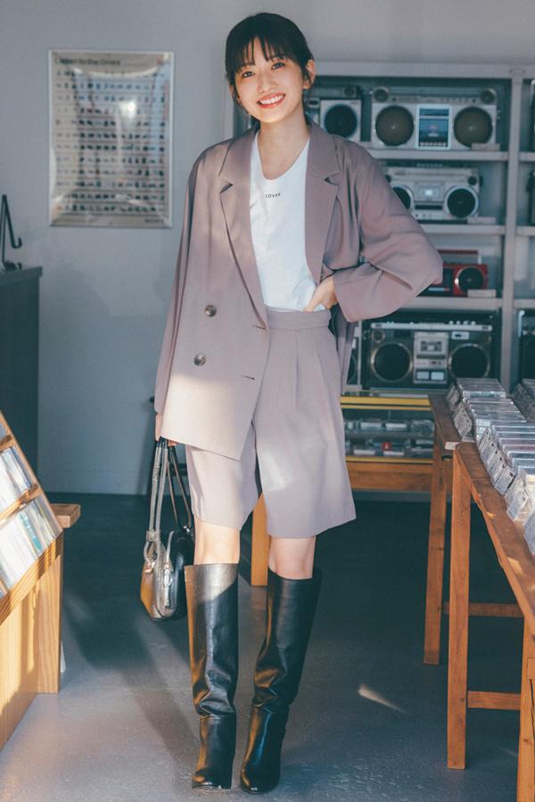 東京カジュアルな安未のミニ×ブーツはこう着る!