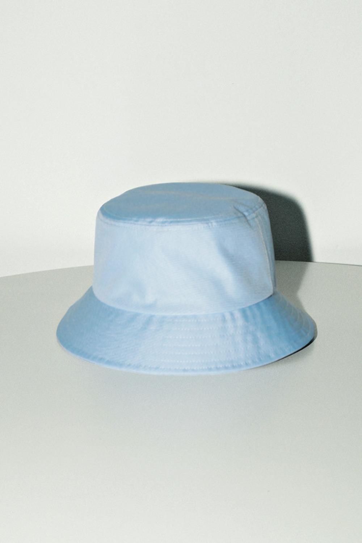 帽子コーデ