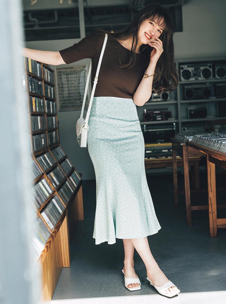 ミントベース×白ドットのスカート