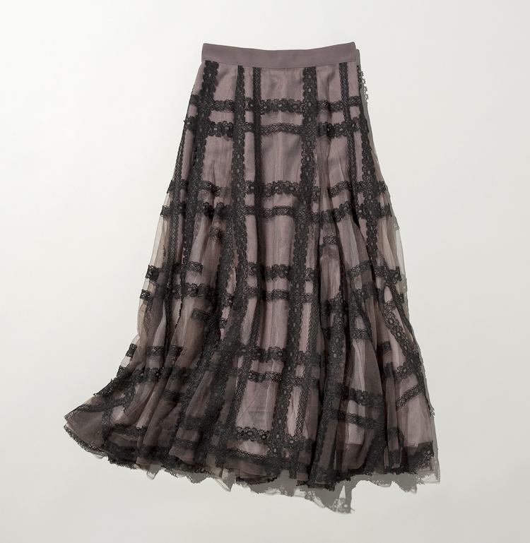 モカ色のチュールスカート
